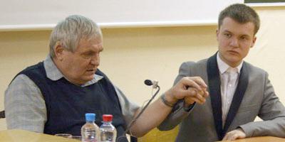 Суворов А. В. и Гуров О. И. во время публичной лекции